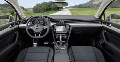 2015 Volkswagen Passat Alltrack 32