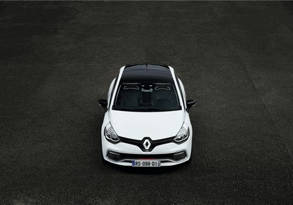 2015 Renault Clio RS220 Trophy 2
