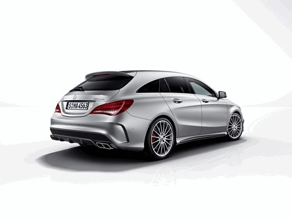 2015 Mercedes-Benz CLA 45 AMG Shooting Brake 5