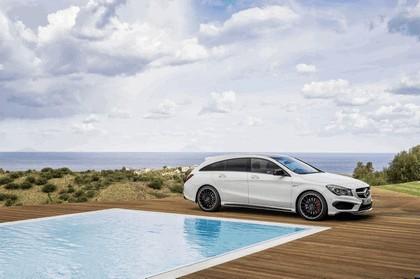 2015 Mercedes-Benz CLA 45 AMG Shooting Brake 15