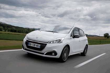 2015 Peugeot 208 13