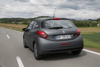 2015 Peugeot 208 40