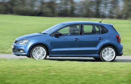 2015 Volkswagen Polo BlueGT - UK version 13