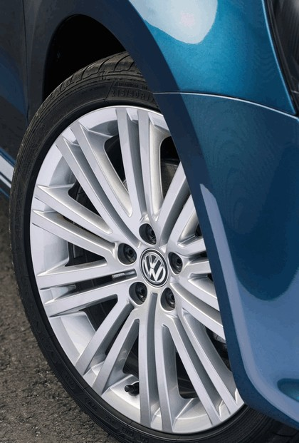 2015 Volkswagen Polo BlueGT - UK version 18