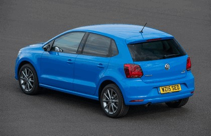 2015 Volkswagen Polo SE Design - UK version 3