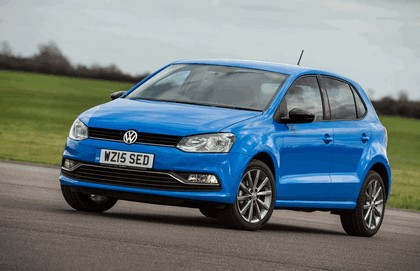 2015 Volkswagen Polo SE Design - UK version 5