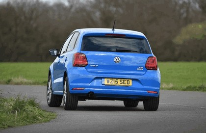 2015 Volkswagen Polo SE Design - UK version 17