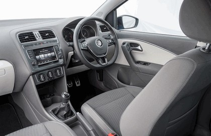 2015 Volkswagen Polo SE Design - UK version 23