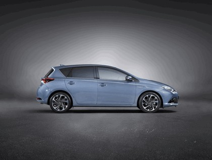 2015 Toyota Auris 2