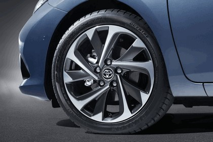 2015 Toyota Auris 17