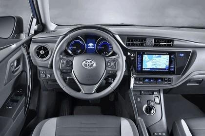 2015 Toyota Auris 24