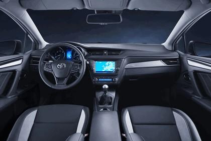 2015 Toyota Avensis 14