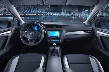 2015 Toyota Avensis 15