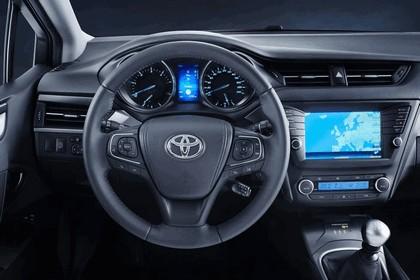 2015 Toyota Avensis 16