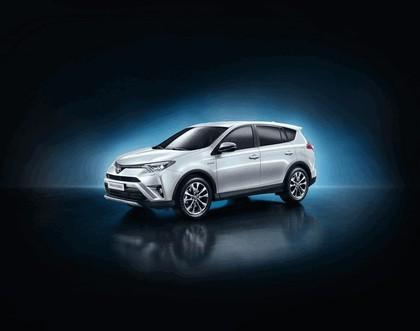 2015 Toyota RAV4 Hybrid 1