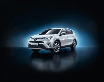 2015 Toyota RAV4 Hybrid 2