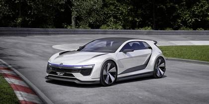 2015 Volkswagen Golf GTE Sport 4