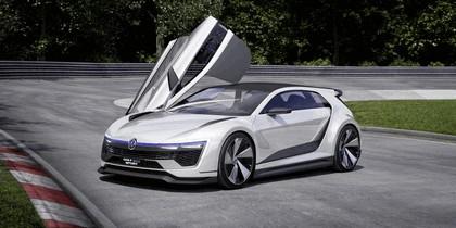 2015 Volkswagen Golf GTE Sport 5