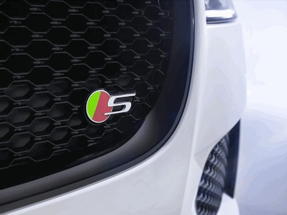 2015 Jaguar XF 19