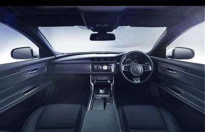 2015 Jaguar XF 27