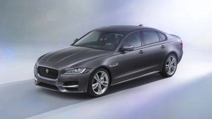 2015 Jaguar XF 5