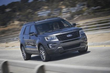 2016 Ford Explorer 28