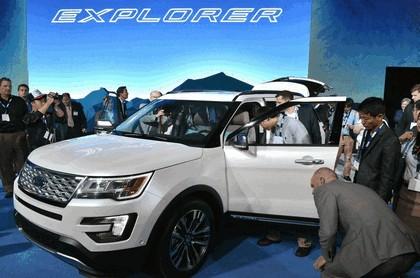 2016 Ford Explorer 38