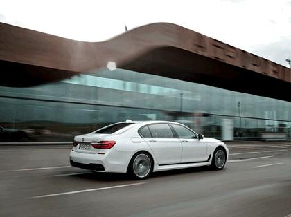 2015 BMW 750Li xDrive M Sport Package 8