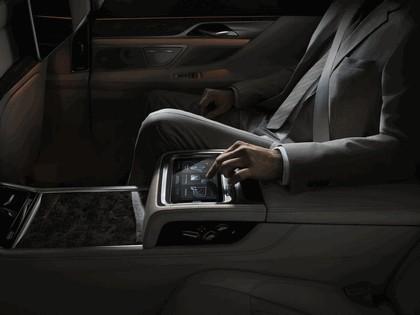 2015 BMW 750Li xDrive M Sport Package 17