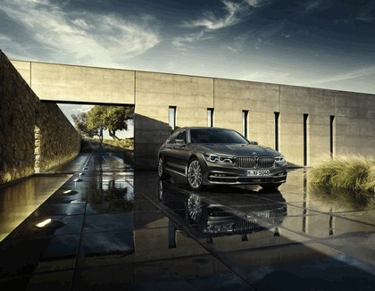 2015 BMW 750Li xDrive with Design Pure Excellence 1