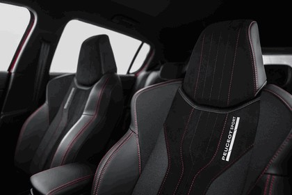 2015 Peugeot 308 GTi 42