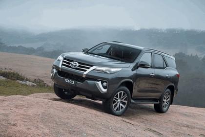 2015 Toyota Fortuner - Australian version 4