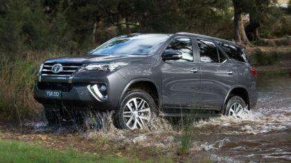 2015 Toyota Fortuner - Australian version 5