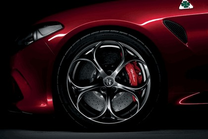 2015 Alfa Romeo Giulia Quadrifoglio 16