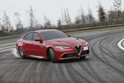 2015 Alfa Romeo Giulia Quadrifoglio 34