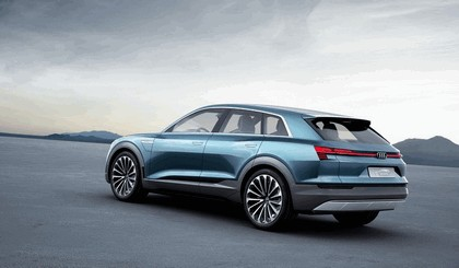 2015 Audi e-tron quattro concept 17