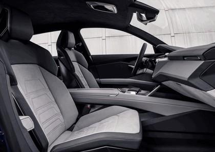 2015 Audi e-tron quattro concept 38