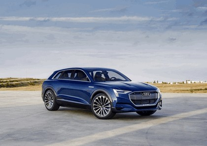 2015 Audi e-tron quattro concept 44