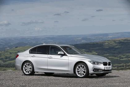 2015 BMW 320d xDrive SE Saloon - UK version 4