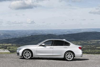2015 BMW 320d xDrive SE Saloon - UK version 5