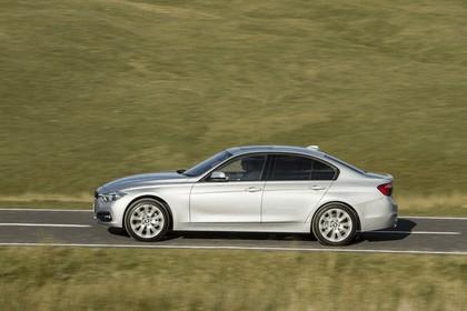 2015 BMW 320d xDrive SE Saloon - UK version 9