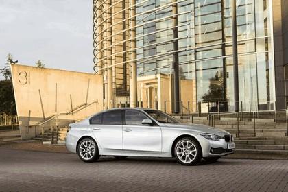 2015 BMW 320d xDrive SE Saloon - UK version 28