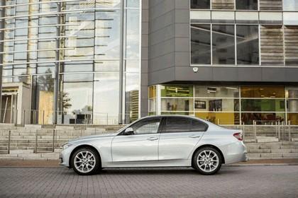 2015 BMW 320d xDrive SE Saloon - UK version 29