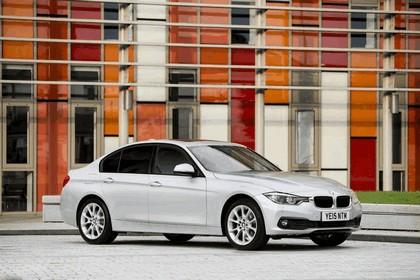 2015 BMW 320d xDrive SE Saloon - UK version 32