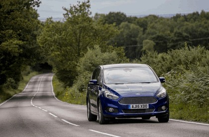 2015 Ford S-Max - UK version 4