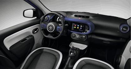 2015 Renault Twingo Cosmic 10