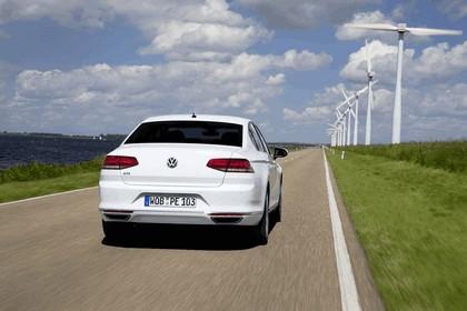 2015 Volkswagen Passat GTE 6