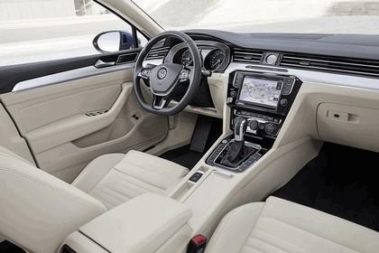 2015 Volkswagen Passat GTE 12