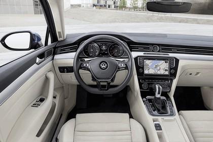 2015 Volkswagen Passat GTE 13