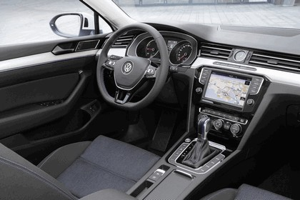 2015 Volkswagen Passat GTE 14